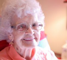 Happiness-at-Hearthside-Senior-Living